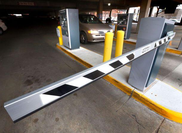 Parking ramp gate